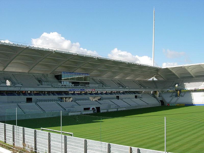 800px-Stade_Auguste-Delaune_2_Tribünen