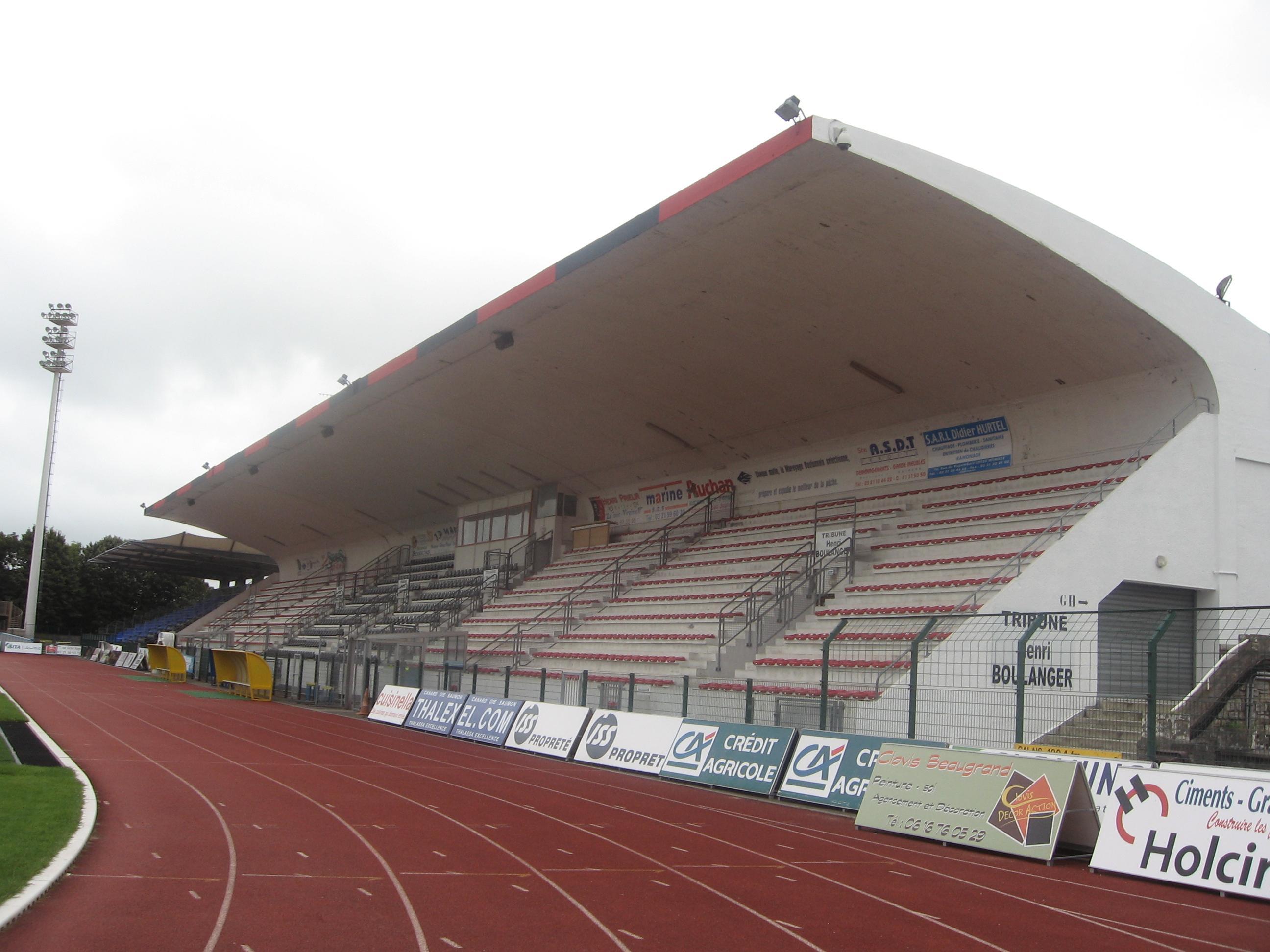 Boulogne-sur-Mer_Stade_de_la_Liberation_(4)