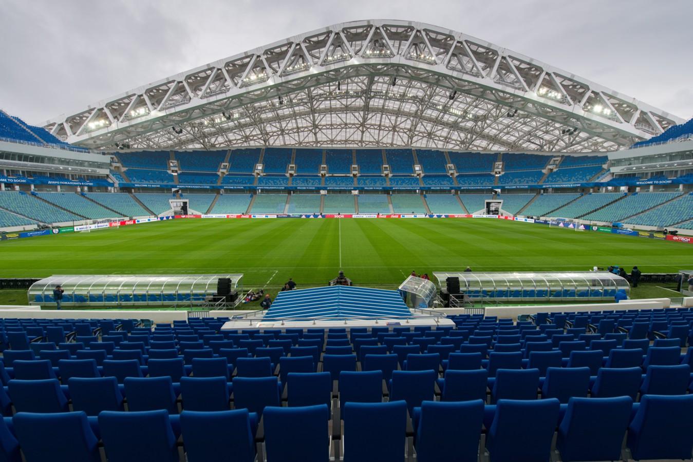 Внутри стадиона Фишт