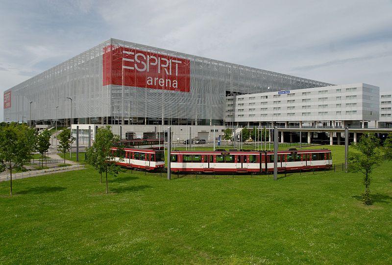 800px-ESPRIT_arena_in_Duesseldorf-Stockum,_von_Sueden