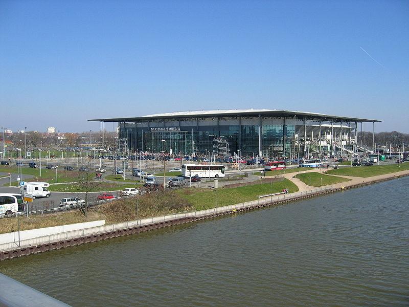 800px-Wolfsburg_stadion