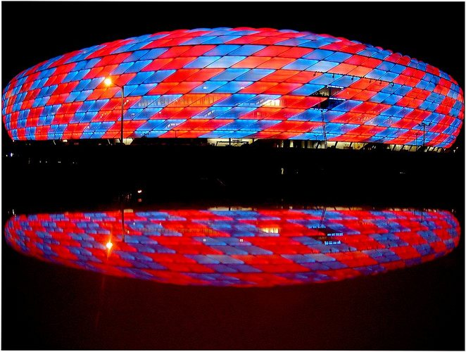 Allianz-Arena.blue.red