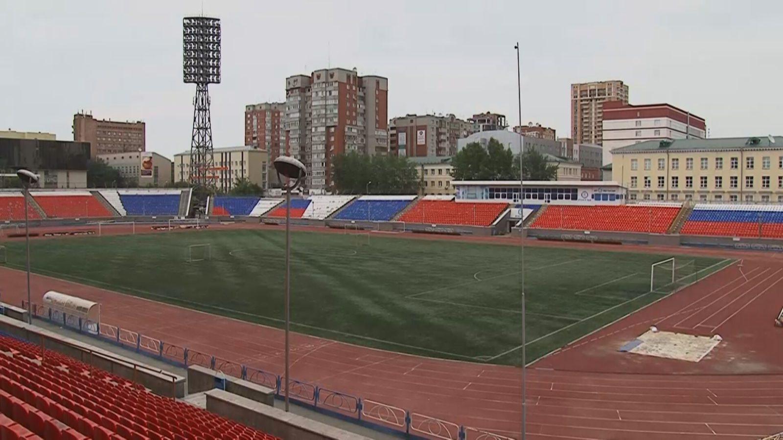 Футбольное поле стадиона Спартак